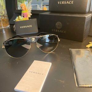 Versace Medusa logo Sunglasses 😎